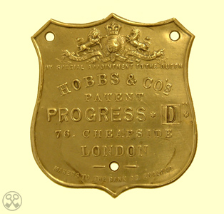 Hobbs & Cos. Progress D Plate